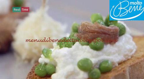 Perle di pera al formaggio e crostini alle acciughe ricetta Parodi per Molto Bene