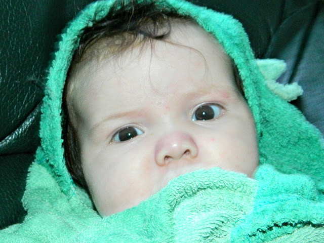 Baby girl towel hooded green