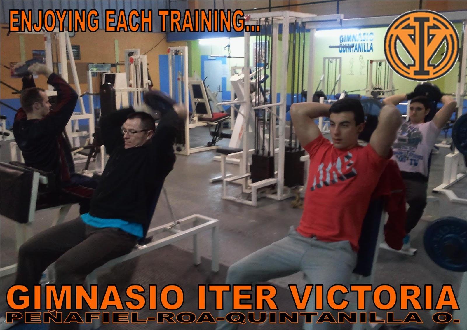 Gimnasio iter victoria disfrutando del entrenamiento for Gimnasio victoria