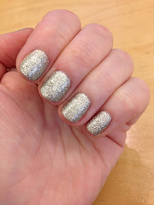 Essie, Essie nail polish, Essie Beyond Cozy, Essie Winter Collection, nails, nail polish, polish, lacquer, nail lacquer, Essie mani, Essie manicure, mani, manicure, mani of the week, manicure of the week