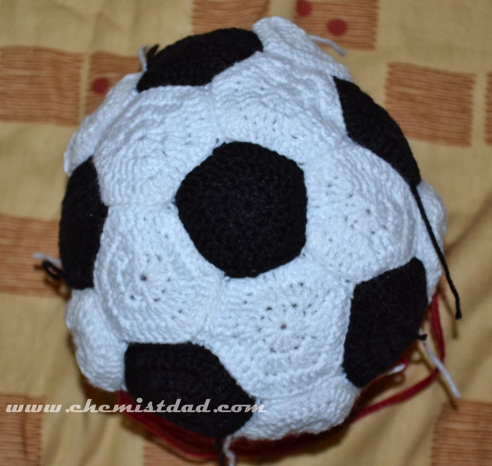 Crochet soccer ball hat pattern top view dt1010fo