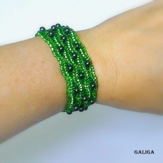 Beaded jewelry-green glass cuff bracelet-seed bead with hematite bracelet