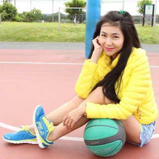 Beautiful Woman - Basketball