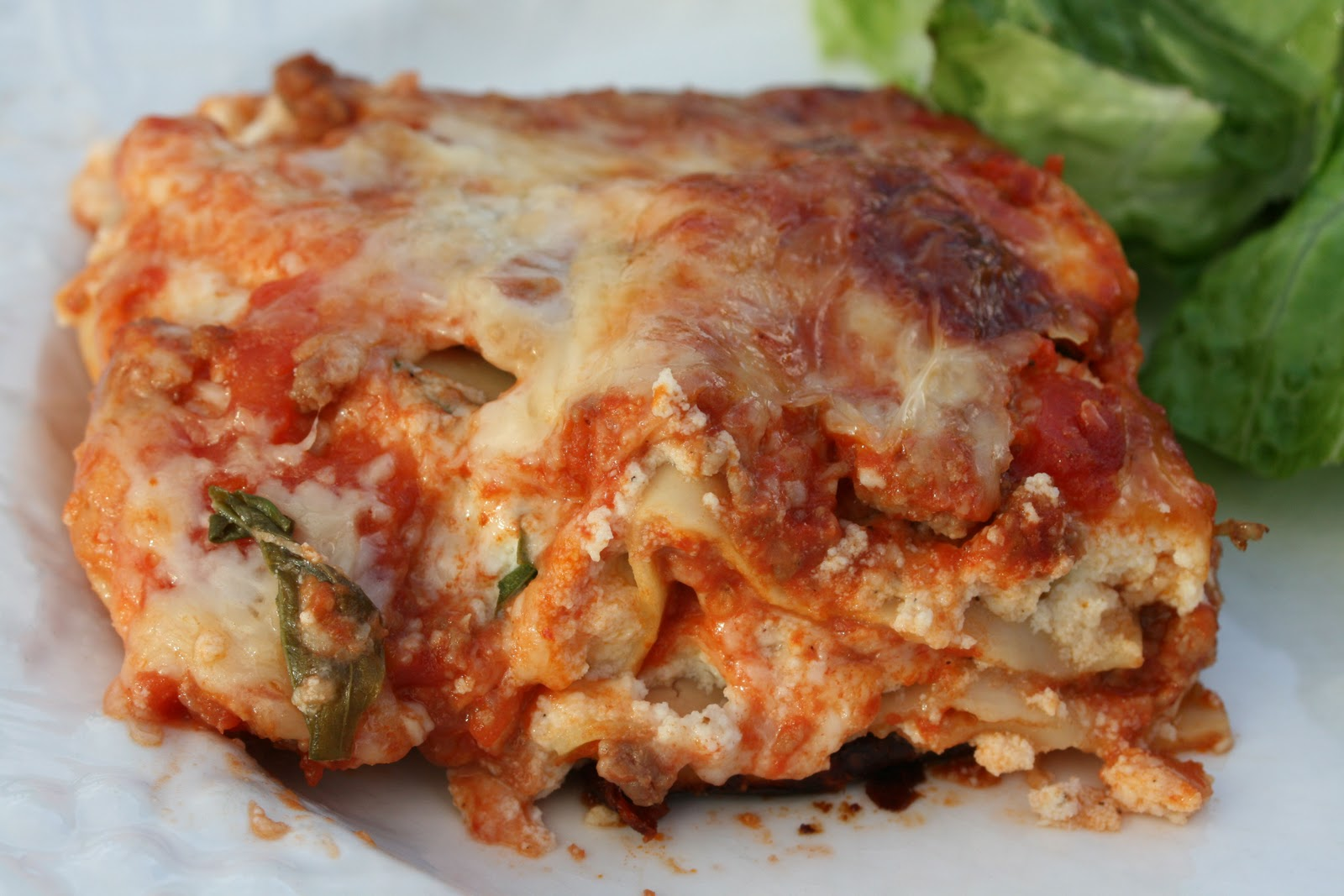Food and Garden Dailies: Easy Meat Lasagna with Hearty Tomato-Meat ...