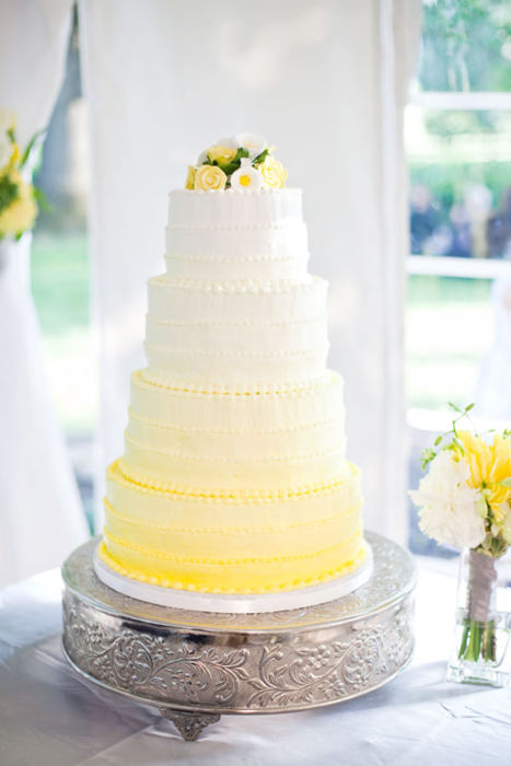 go past these gorgeous bright and cheerful yellow wedding cake designs