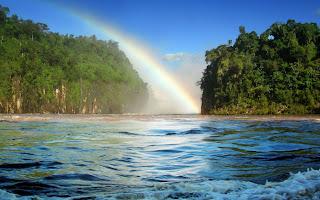 el mar y el arcoiris