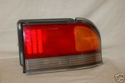 92-93 MITSUBISHI GALANT 2000GTX RIGHT Tail Light B9-264