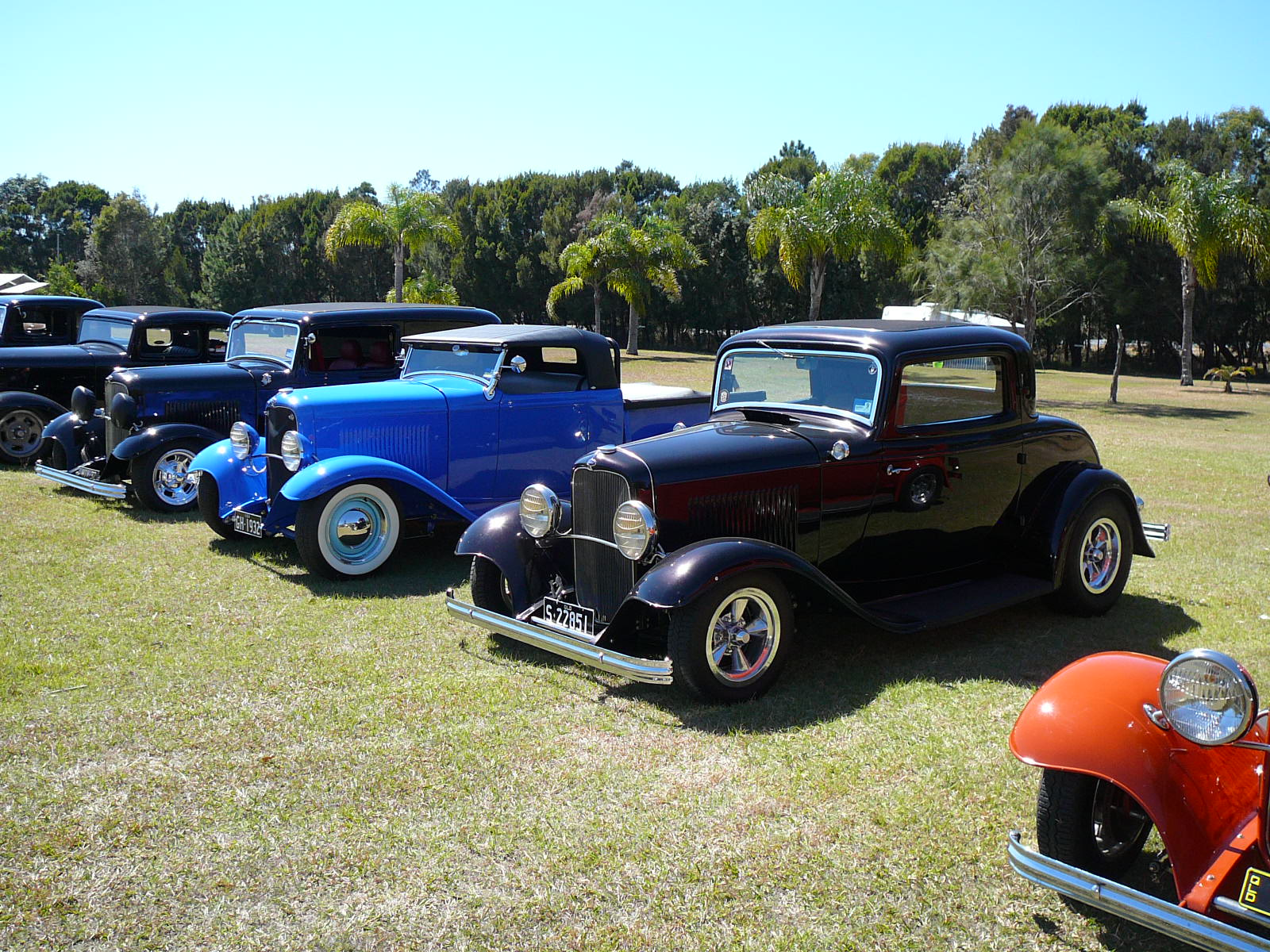 downunderdeuce: white shoe time...some cars for sale!