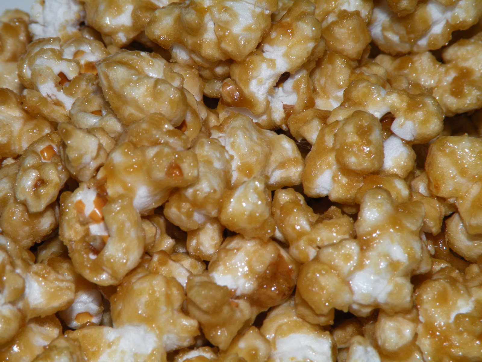 Heart, Hands, Home: Movie Night Caramel Corn