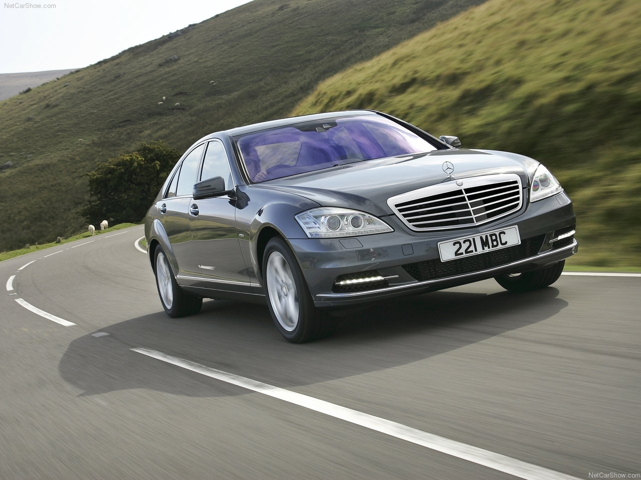 2010 mercedes benz s class uk version mercedes benz cars for Mercedes benz class s