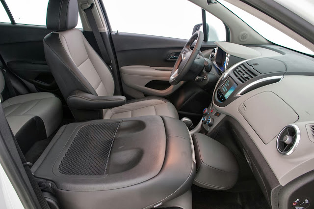 carro Tracker Chevrolet 2014 - interior - espaço interno