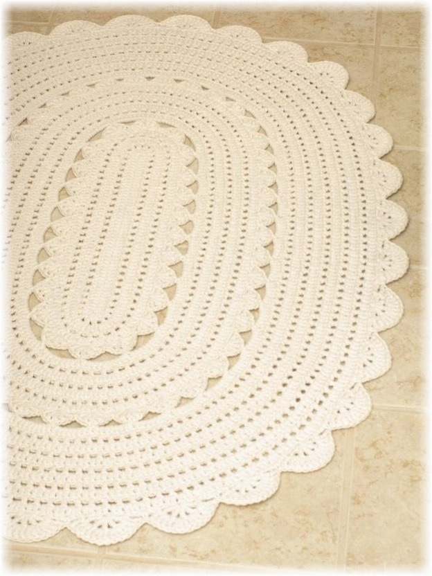 Crochet Patterns Oval Shape : Handy Crafter...: Freshly Finished: Oval Crocheted Doily Rug