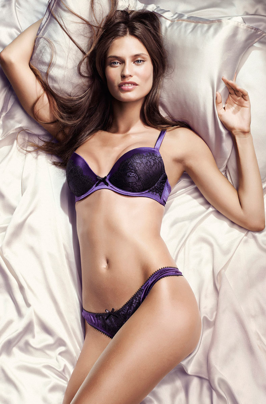 Vive la Mode!: Cute lingerie during the Holidays?
