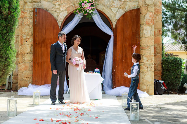 http://www.cyprus-photo.com/2014/07/le-meridien-limassol-wedding/