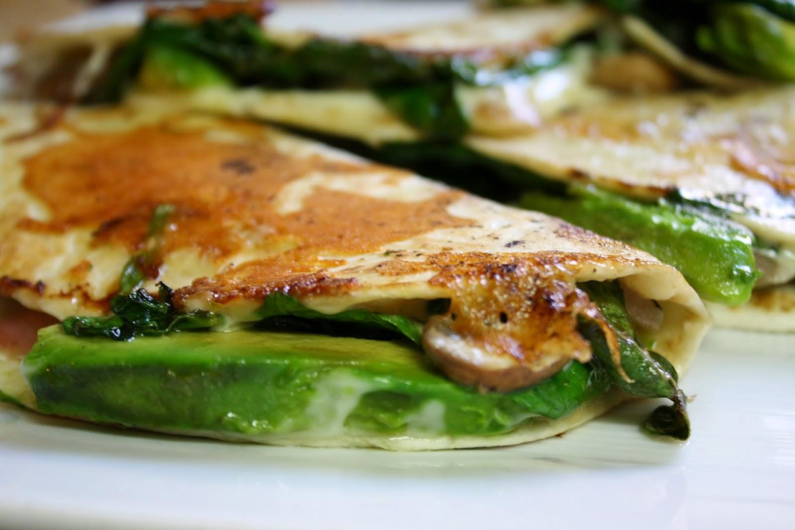 http://eatprayjuice.blogspot.com/2014/05/crispy-mushroom-spinach-and-avocado.html