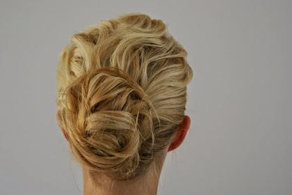 fryzura ślubna 49
