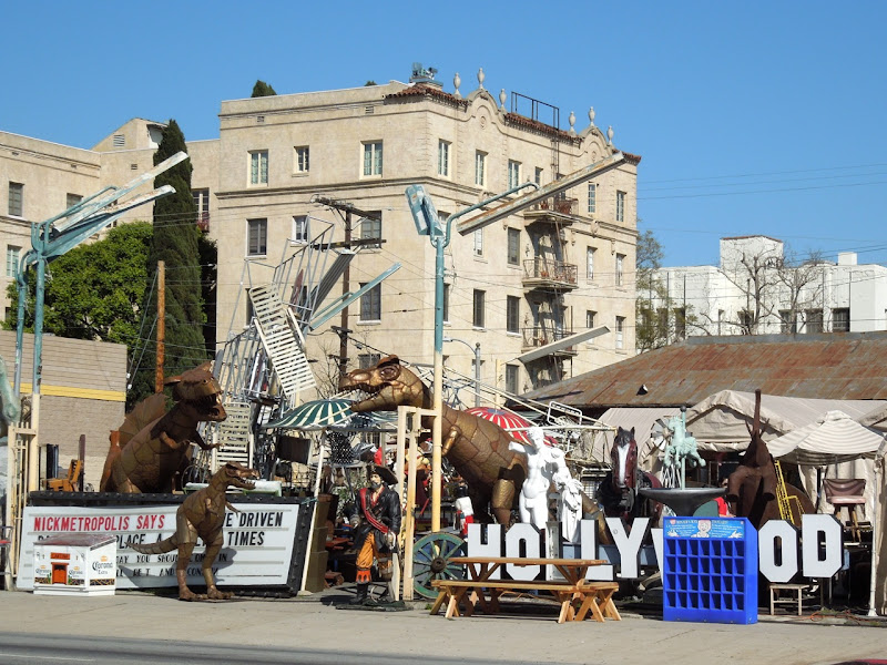 Hollywood prop rental