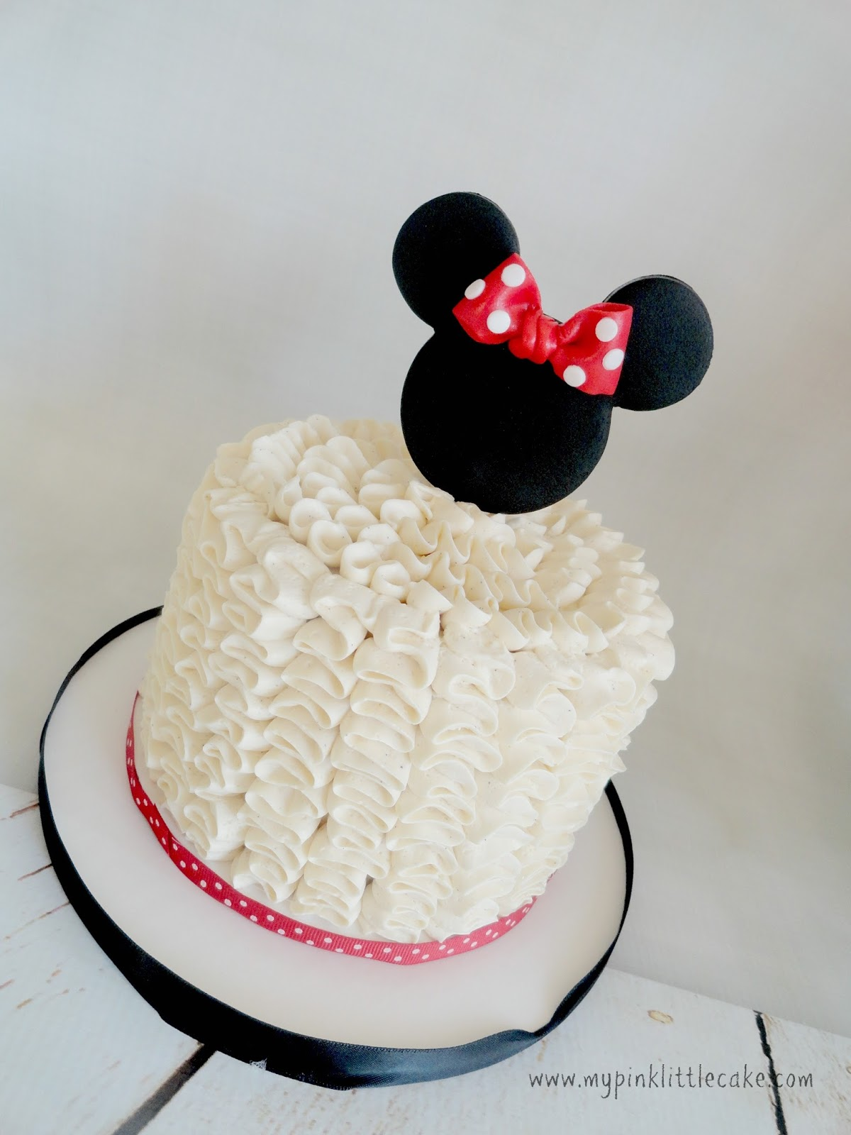 3 Tier Minnie Mouse Theme Cake To Celebrate A 1st Birthday Even The Ears Are Complement I Made Ruffle Buttercream