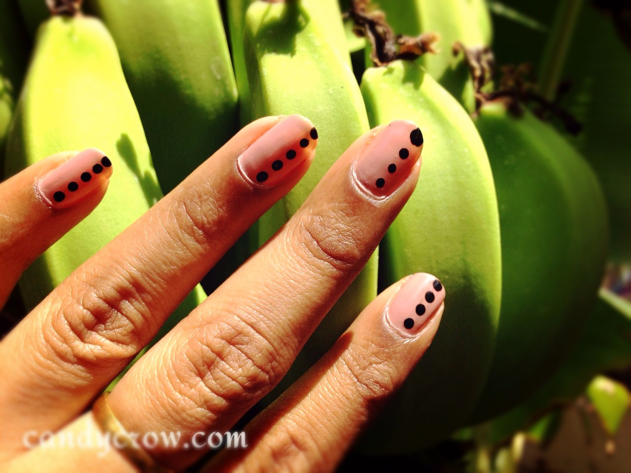 Easy Nail Art With Polka Dot