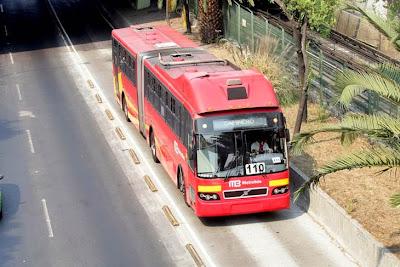 Caótico uso del Metrobus en México