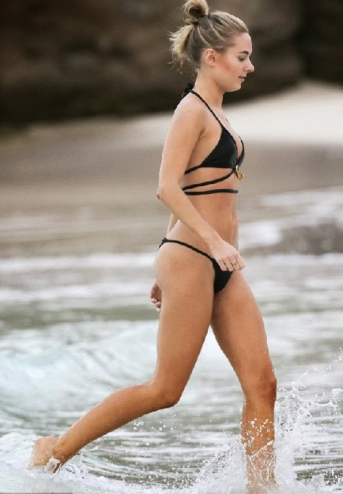English:Kimberley Garner Tiger Bikini Saint Barthelemy January 18, 2014