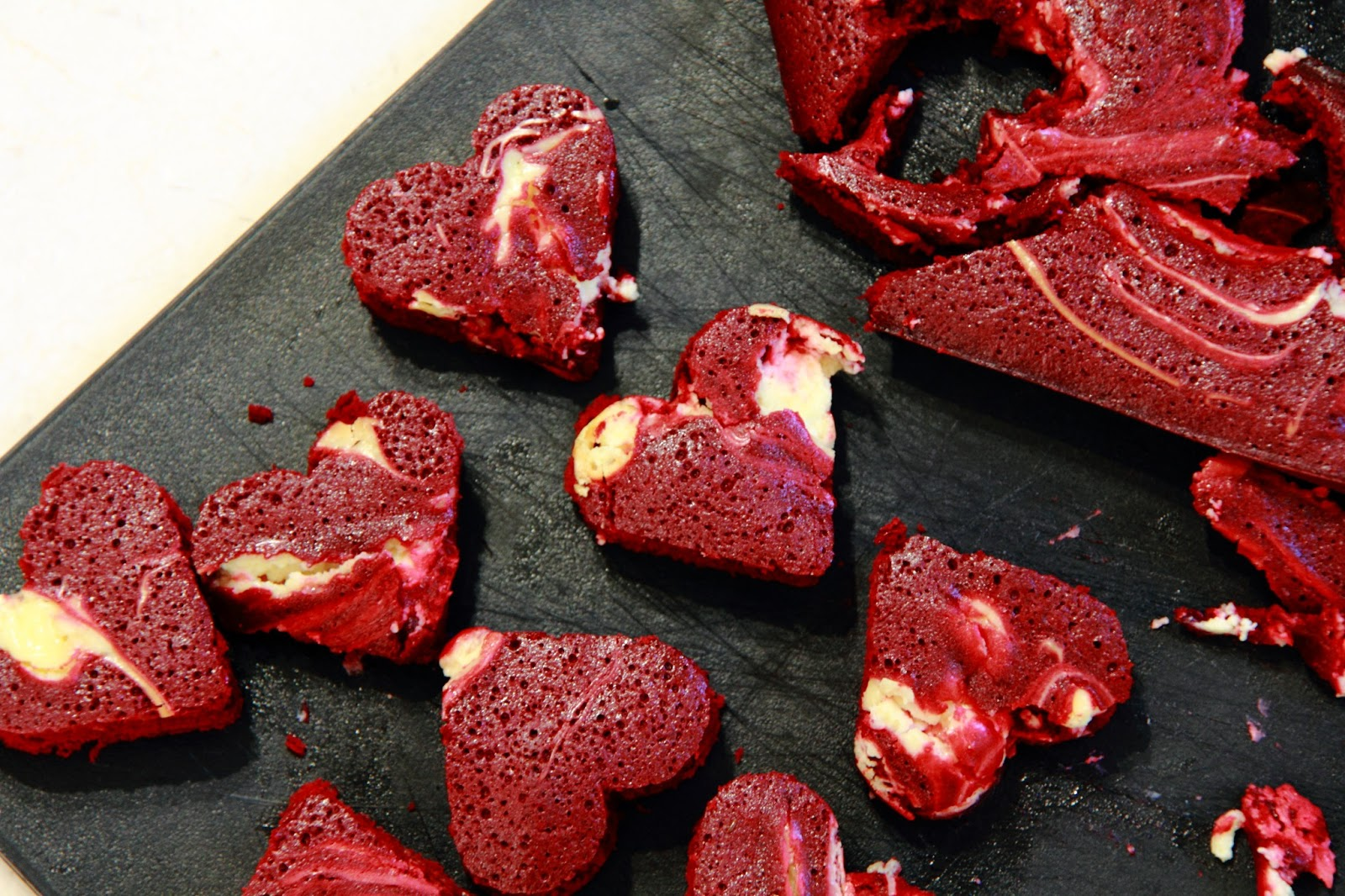 ... Accidents in the Kitchen }: Red Velvet Cheesecake Swirl Heart Brownies