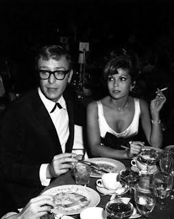 La cena de Michael Caine y Nancy Sinatra