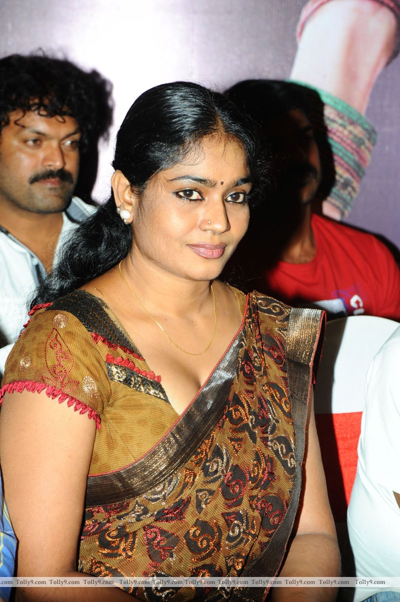 ... Tamil Actress Images Pics Hot: jayavani-hot-saree-clevage-boobs