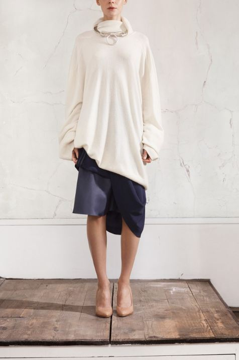 Maison Martin Margiela for HM, Navy fold-up skirt,cream oversized pullover, keyring necklace, beige Perspex wedges, women's style, designer collaboration, amazing fashion, unique style, fashion, style