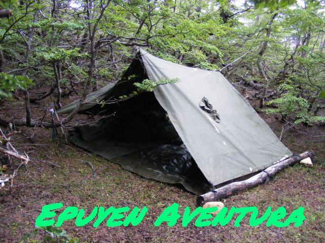 Refugio improvisado supervivencia - Patagonia Andina