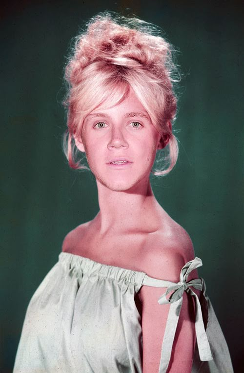 niall-horan-as-a-woman