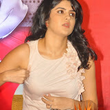 actress-deeksha-seth-pictures-9