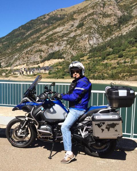 ........Emilio y su nueva Moto