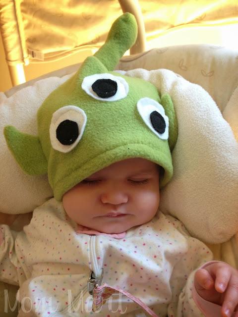 How to make a little green alien fleece baby hat #DIY #Halloween #ToyStory #HomemadeCostume #Tutorial