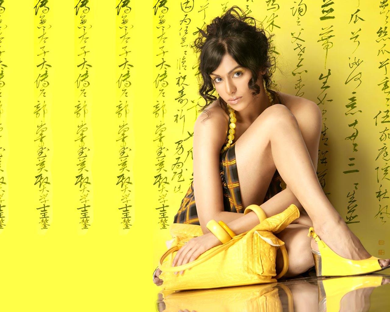 http://1.bp.blogspot.com/-cI0bOibUIjA/Tfnw-TEGzUI/AAAAAAAAARs/g6Ed1mU3GXg/s1600/Bollywood+Adah+Sharma+Wallpaper9.jpg