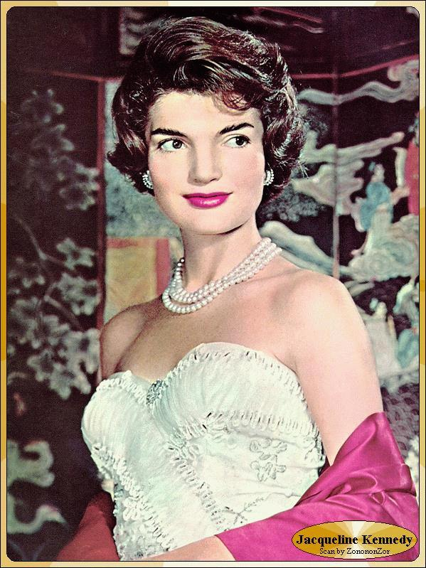 photos of jacqueline kennedy braless