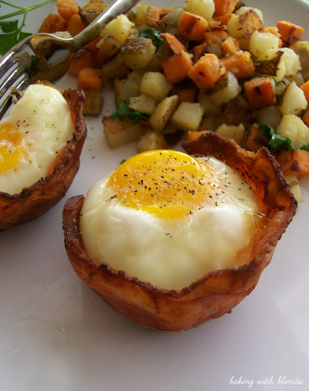 bacon and egg toast cups ingredients 6 slices of uncooked bacon 6 ...