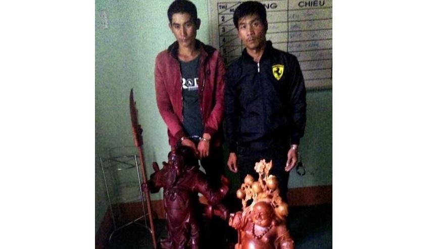 Gia Lai: Bắt 2 thanh niên chuyên trộm tượng phật bằng gỗ