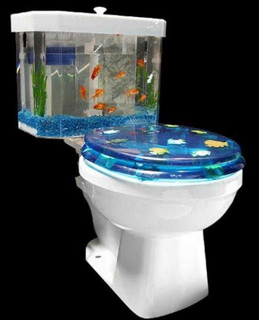 Taza De Baño One Piece:Que tal un inodoro con acuario incorporado?