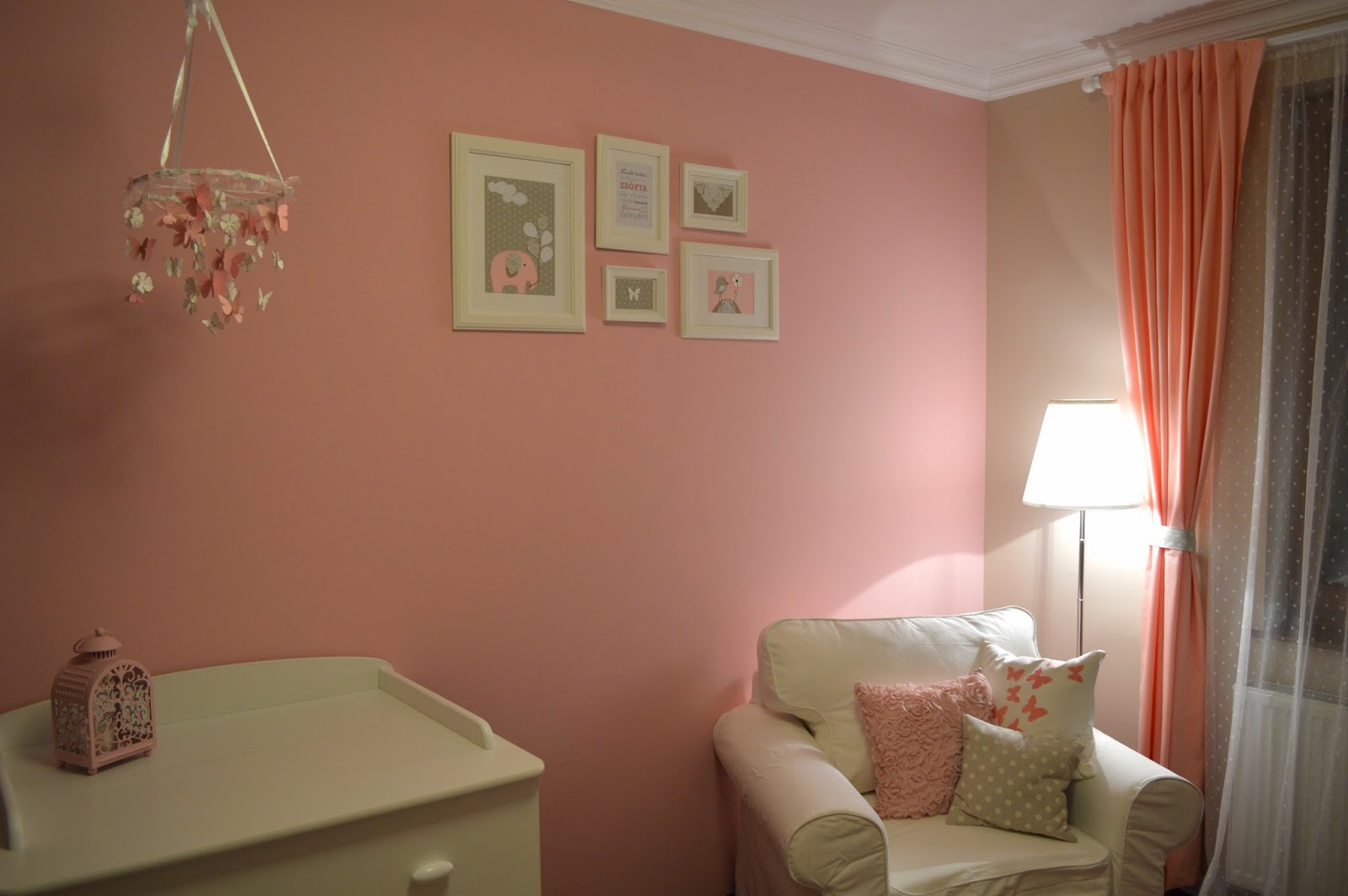 Pöttyös szoba: Zsófia szobája