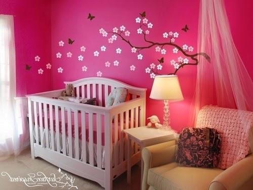 Super déco intérieur chambre bébé fille