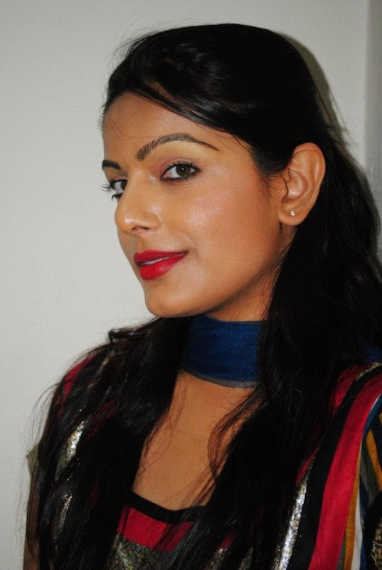 New and Latest Teen Aunty Anjali Hot Photo Stills cleavage