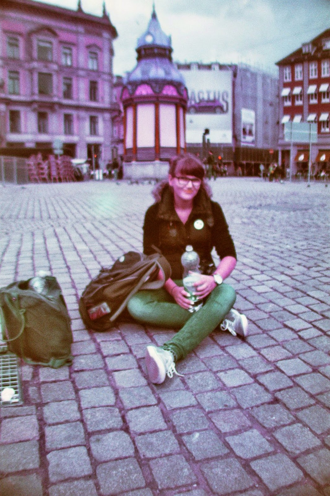 Pause in Kopenhagen (Film: Lomochrome Purple XR 100-400 Kamera: La Sardina)