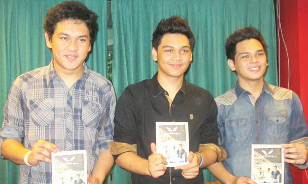 FOTO GANTENG IMUT GRUP BAND THE OVERTUNES