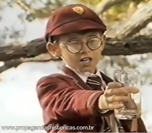 Propaganda do Tang sabor laranja. Campanha famosa pela presença do Jaime e do garoto que pede suco.