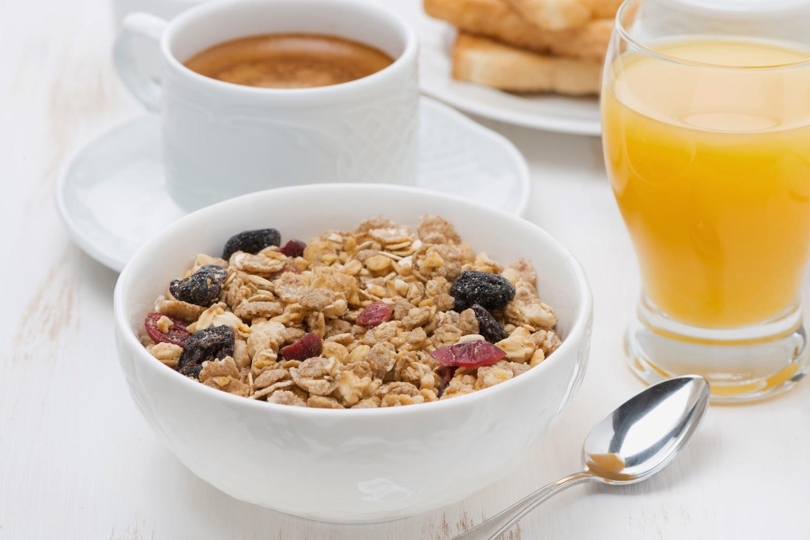 Recetas Desayuno perfecto: zumo de naranja, cereales y cafe