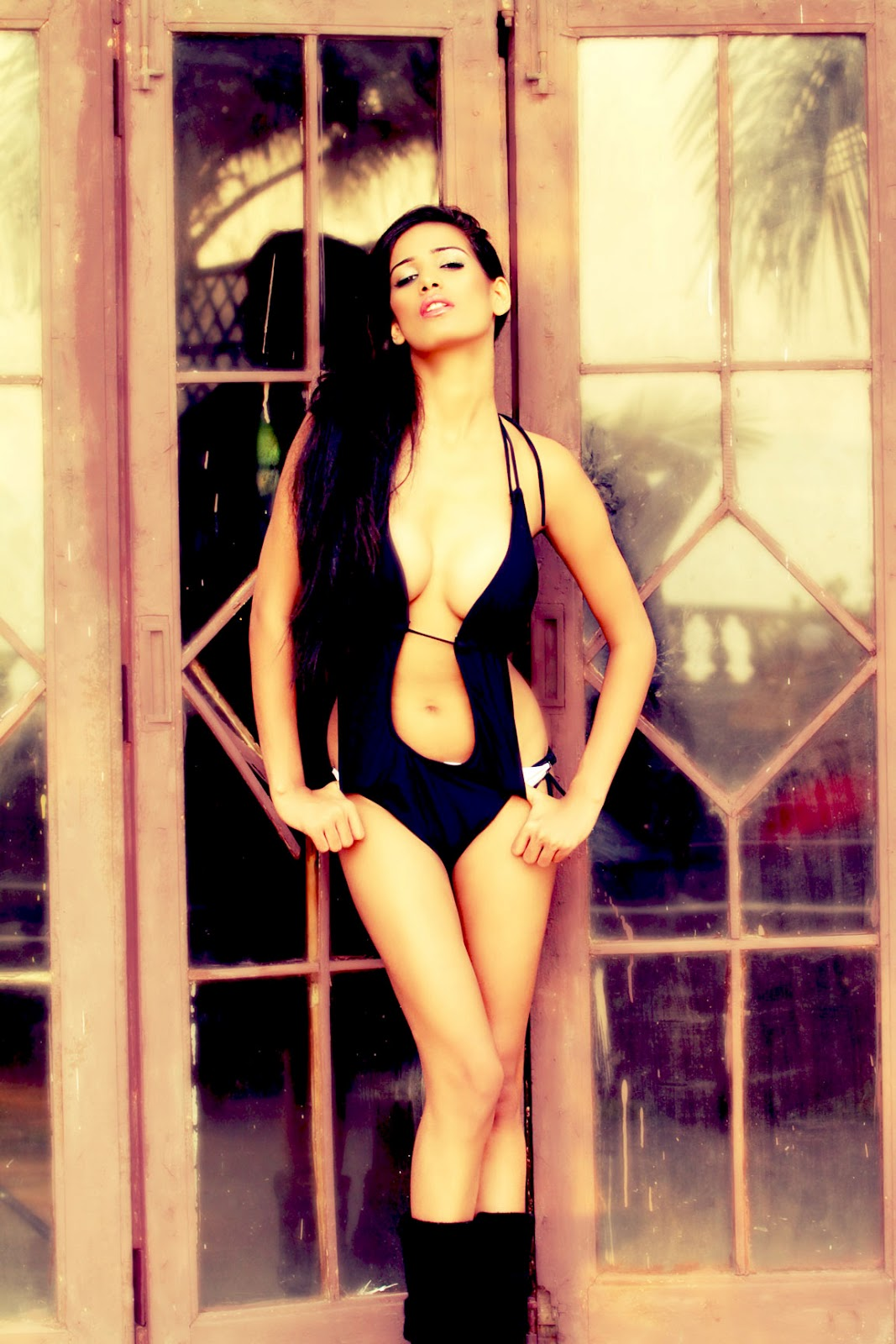 Poonam Pandey Latest Hot HQ Twitter Pics