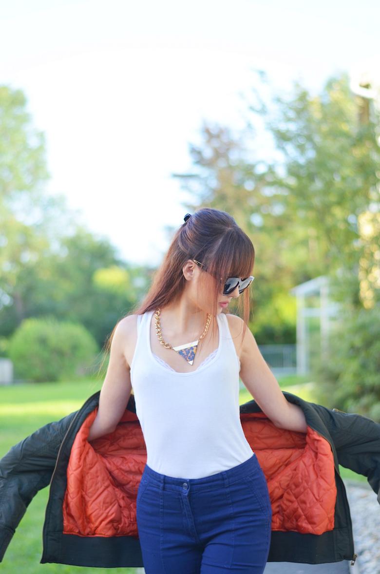 Bomber_Jacke_dunkelgrün_olive_khaki_orange_kombinieren_Streetstyle_österreichische_Modeblogger_ViktoriaSarina