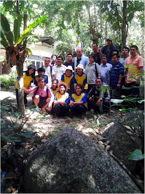 Volunteers of the dam building project