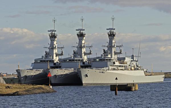 Tiga Light Fregat Nakoda Ragam Class TNI AL